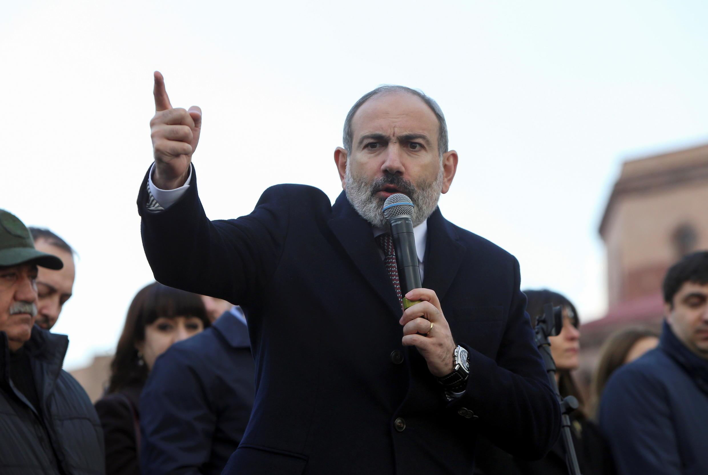 2021-02-25T130345Z_981861188_RC2PZL9FQ3ZY_RTRMADP_3_ARMENIA-POLITICS