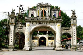 """Đền thờ Thái hậu Ỷ Lan hiện ở Gia Lâm. Dân gian thường gọi là """"chùa Bà Tấm"""" (DR)"""
