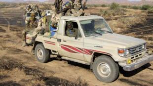L'armée tchadienne patrouille dans la région de Biltine.