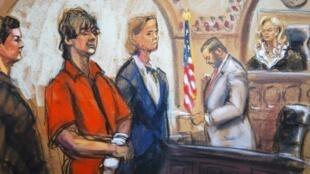 Desenho da corte mostra Djokhar Tsarnaev cercado pelos advogados de defesa, Miriam Conrad (e) e Judy Clarke