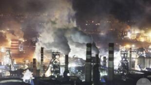 盧廣拍攝的中國空氣污染的夜景