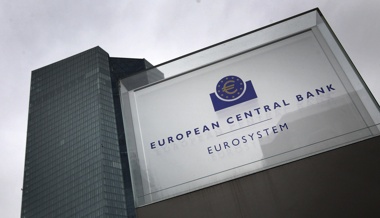 """La presidenta del Banco Central Europeo (BCE), Christine Lagarde, considera """"inconcebible"""" condonar la deuda contraída por el covid-19, como reclamó esta semana un grupo de un centenar de economistas europeos"""
