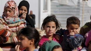 Niños sirios en el campo de refugiados de Al Zaatari en la ciudad jordana de Mafraq, cerca de la frontera siria, el 1 de febrero del 2016.