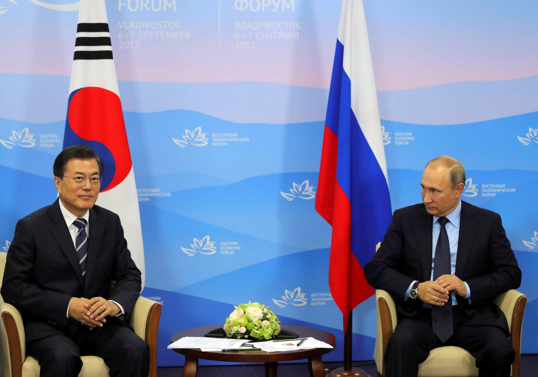 Владимир Путин и Мун Чже Ин встретились во Владивостоке на Восточном эколоническом форуме, 6 сентября 2017 года.