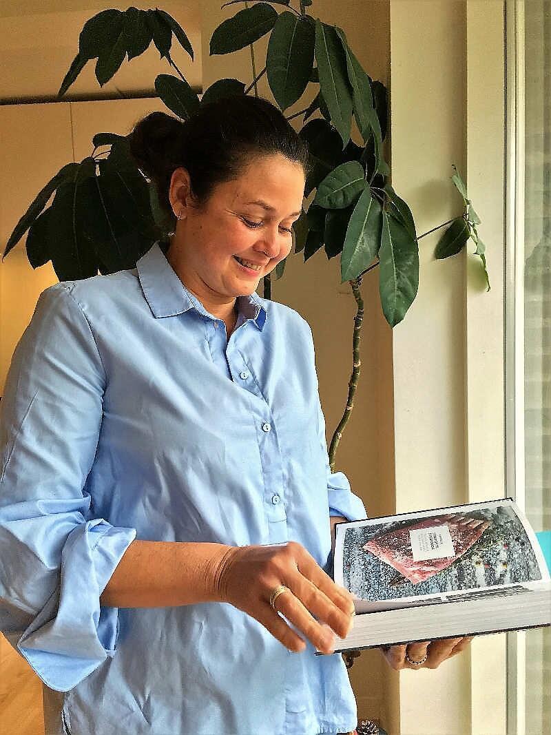 Obra de Valéria Lima foi escrita em dinamarquês - aprendizado da língua foi maior desafio da baiana no país europeu.