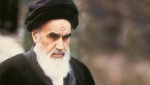 آیتالله خمینی، رهبر انقلاب اسلامی