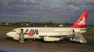 Avião da companhia LAM, linhas aéreas moçambicanas