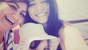 Mulheres turcas postaram fotos sorrindo no Instagram e Twitter.