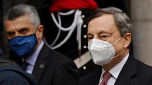 El primer ministro de Italia, Mario Draghi, llega al Senado, en Roma, el 17 de febrero de 2021