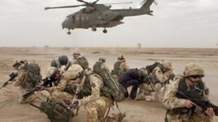 Les troupes britanniques se sont retirées d'Irak en juillet 2009 avec un bilan de 179 morts dans leurs rangs.