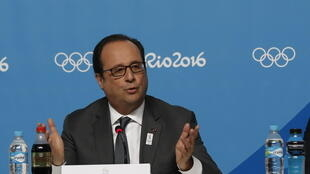 French President Francois Hollande attends a press conference to support the candidacy of Paris for the Olympic Games in 2024.