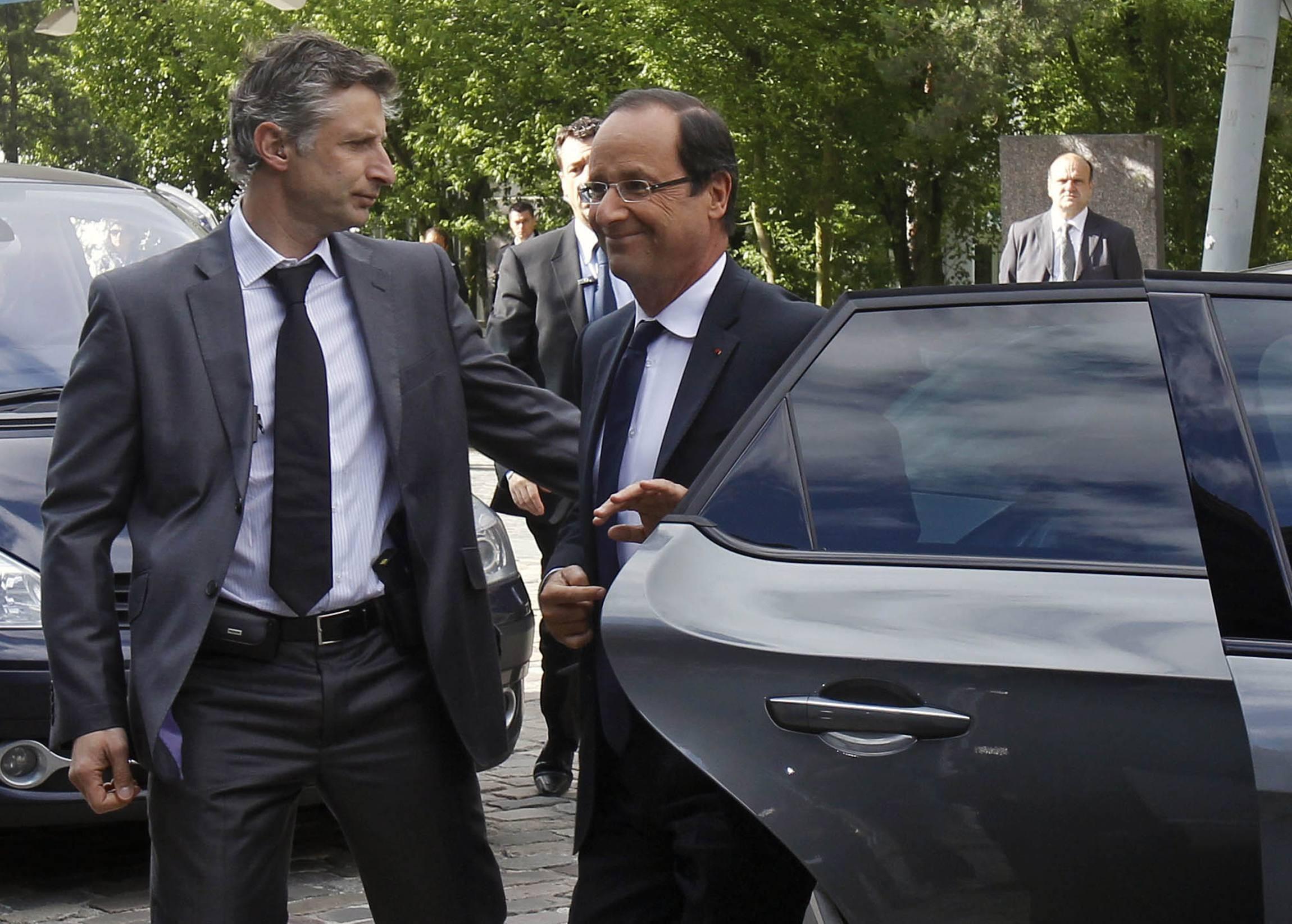 El presidente francés François Hollande (derecha)