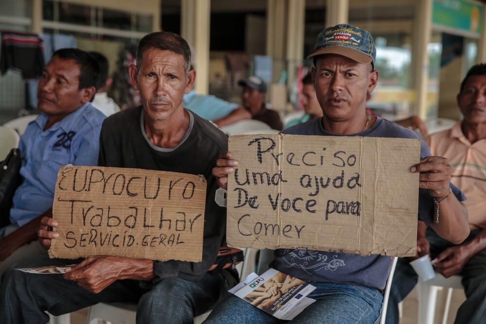 Người nhập cư Venezuela xin việc làm tại thành phố Boa Vista- Roraima. Ảnh tháng 10/2017.