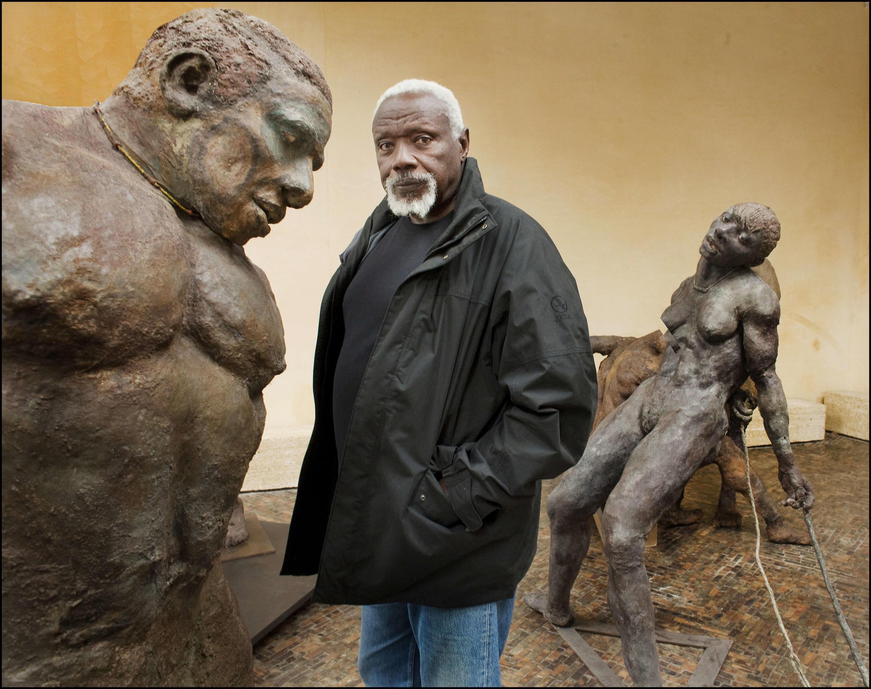 Le sculpteur sénégalais Ousmane Sow (1935-2016), ici en 2010 à la Fondation Coubertin à Saint-Rémy-lès-Chevreuse (image d'illustration).