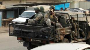 Militares das forças especiais na localidade de Adiaké, na Costa do Marfim. 7 de Fevereiro de 2017.