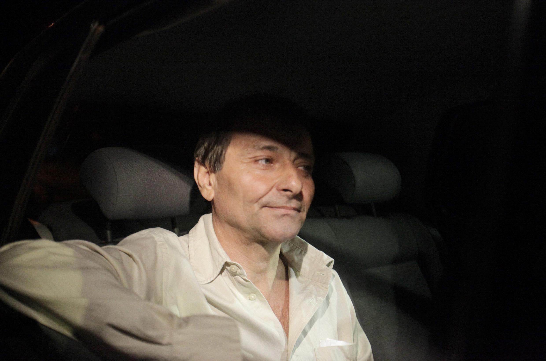 Cesare Battisti dejando una prisión brasileña, el 8 de junio de 2011.