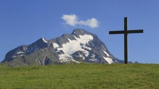 A estação Les Deux Alpes teve que fechar sua pista de esqui por falta de neve