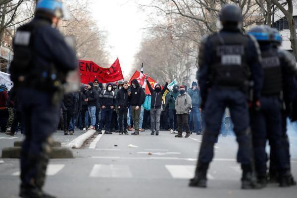 Trente-huitième jour de conflit en France, ce samedi 11 janvier.