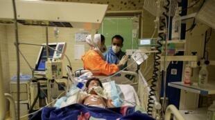 وزارت بهداشت ایران، روز یکشنبه ۳۰ شهریور، از شناسایی ۳۰۹۷ بیمار جدید مبتلا به کرونا و مرگ ۱۸٣ نفر دیگر در شبانه روز گذشته خبر داد