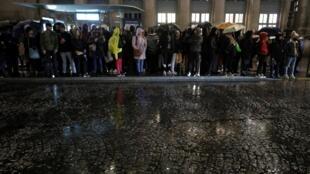 罢工风潮下的法国巴黎北站雨中萧瑟 2019年12月16日