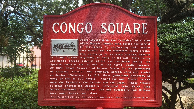 Congo Square, le cœur de La Nouvelle-Orléans où les Amérindiens et les esclaves africains créèrent une culture hybride libre défiant l'oppression des colons européens.