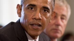 La majorité républicaine veut pousser le président Obama  à renoncer à la loi sur la couverture sociale.