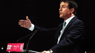 Le Premier ministre Manuel Valls délivre un discours lors du meeting électoral du 15 mai 2014 à Lille, lors de la campagne pour les élections européennes.