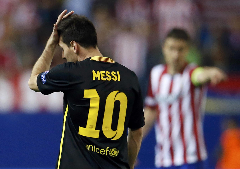 Mchezaji Lionel Messi akisikitika baada ya timu yake kupoteza moja mechi zake na Atletico Madrid
