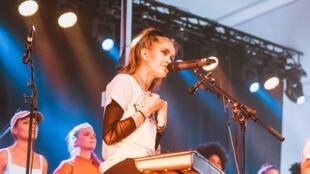 Festival na Suécia permite participação apenas de mulheres, trans e não-binários.