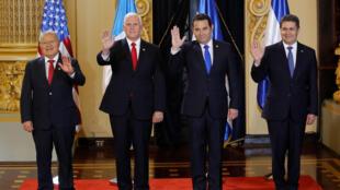 El vicepresidente Mike Pence y los presidentes de El Salvador, Guatemala y Honduras al finalizar su encuentro