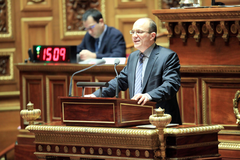 Сенатор Андре Гаттолен