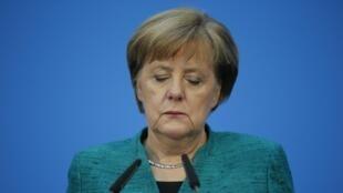 Hôm qua 11/02/2018, thủ tướng Đức Angela Merkel nói rõ ý định đi hết nhiệm kỳ, tức đến năm 2021.