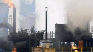 Le gaz à effet de serre est l'une des causes principales du réchauffement climatique.
