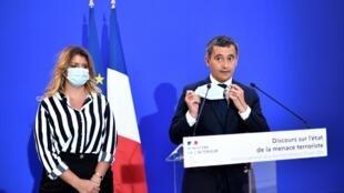 Le ministre de l'Intérieur, Gérald Darmanin, et la ministre déléguée à la Citoyenneté, Marlène Schiappa, lors d'un discours le 31 août 2020, à Paris.