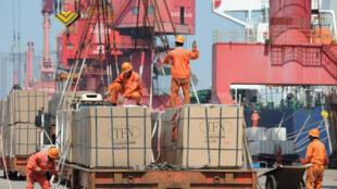 Hàng xuất khẩu tại một cảng ở Giang Tô, Trung Quốc. Ảnh chụp ngày 07/06/2019.