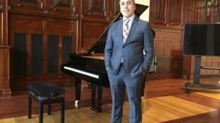 Gustavo de Sá, chefe da divisão de ações culturais do Departamento Cultural do Itamaraty