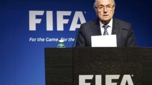 O Parlamento Europeu pediu a saída imediata de Joseph Blatter da Fifa