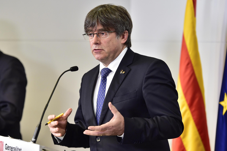 Carles Puigdemont habla durante una rueda de prensa que dio el 9 de octubre de 2020 en Perpiñán, al sureste de Francia