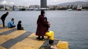 Autoridades gregas apontam que número de migrantes que chegou ao país diminuiu consideravelmente depois da entrada em vigor do acordo entre a UE e a Turquia.