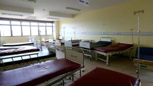 Lits sans patients durant la grève des médecins, au Kirudu Hospital, à Kampala, le 9 novembre 2017.