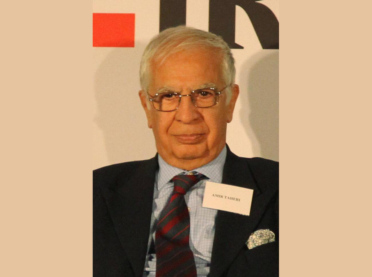 امیر طاهری، روزنامهنگار ساکن بریتانیا