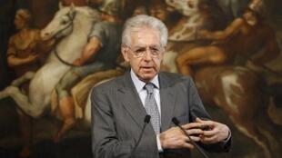 La confiance des marchés regagnée en début d'année grâce aux mesures de rigueur du gouvernement de Mario Monti, ici le 12 juin, est désormais affectée.