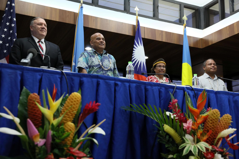 Ngoại trưởng Mỹ Pompeo với các tổng thống của Liên bang Micronesia, đảo Marshall và Palaos họp báo tại Kolonia, Micronesia, ngày 05/08/2019.