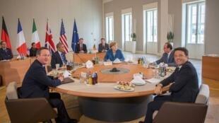 Angela Merkel ta Jamus tare da Barack Obama na Amurka da David Cameron na Birtaniya da Matteo Renzi na Italiya da Francois Hollande na Faransa a Hanover, Jamus