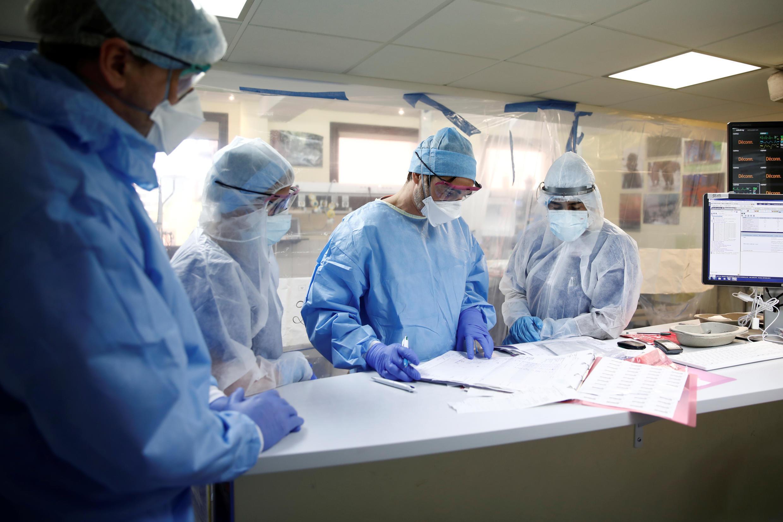 Khoa điều trị hồi sức tích cực cho các bệnh nhân Covid-19 tại bệnh viện Pháp-Anh ở Levallois-Perret, ngoại ô Paris, ngày 15/04/2020.