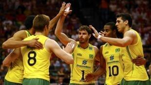 Brasil elimina a França nas meias finais de Voleibol Mundial e vai para a final contra a Polónia