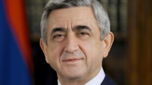 Portrait officiel du président d'Arménie Serge Sarkissian.