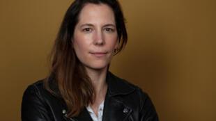 Portrait de la romancière Astrid Eliard pour son roman «La dernière fois que j'ai vu Adèle» paru aux éditions Mercure de France.
