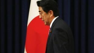 Thủ tướng Nhật Bản Shinzo Abe sau cuộc họp báo tại Bắc Kinh, Trung Quốc, 11/11/2014