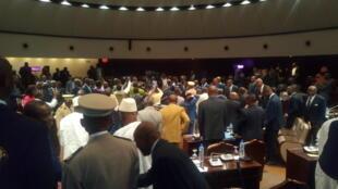 Après six mois de profonde crise politique au Togo, le dialogue de la «dernière chance» s'est ouvert, lundi 19 février, à Lomé.
